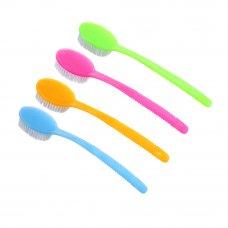 Щетка для тела с искусств. щетиной на пластиковой ручке, 34см, 4 цвета